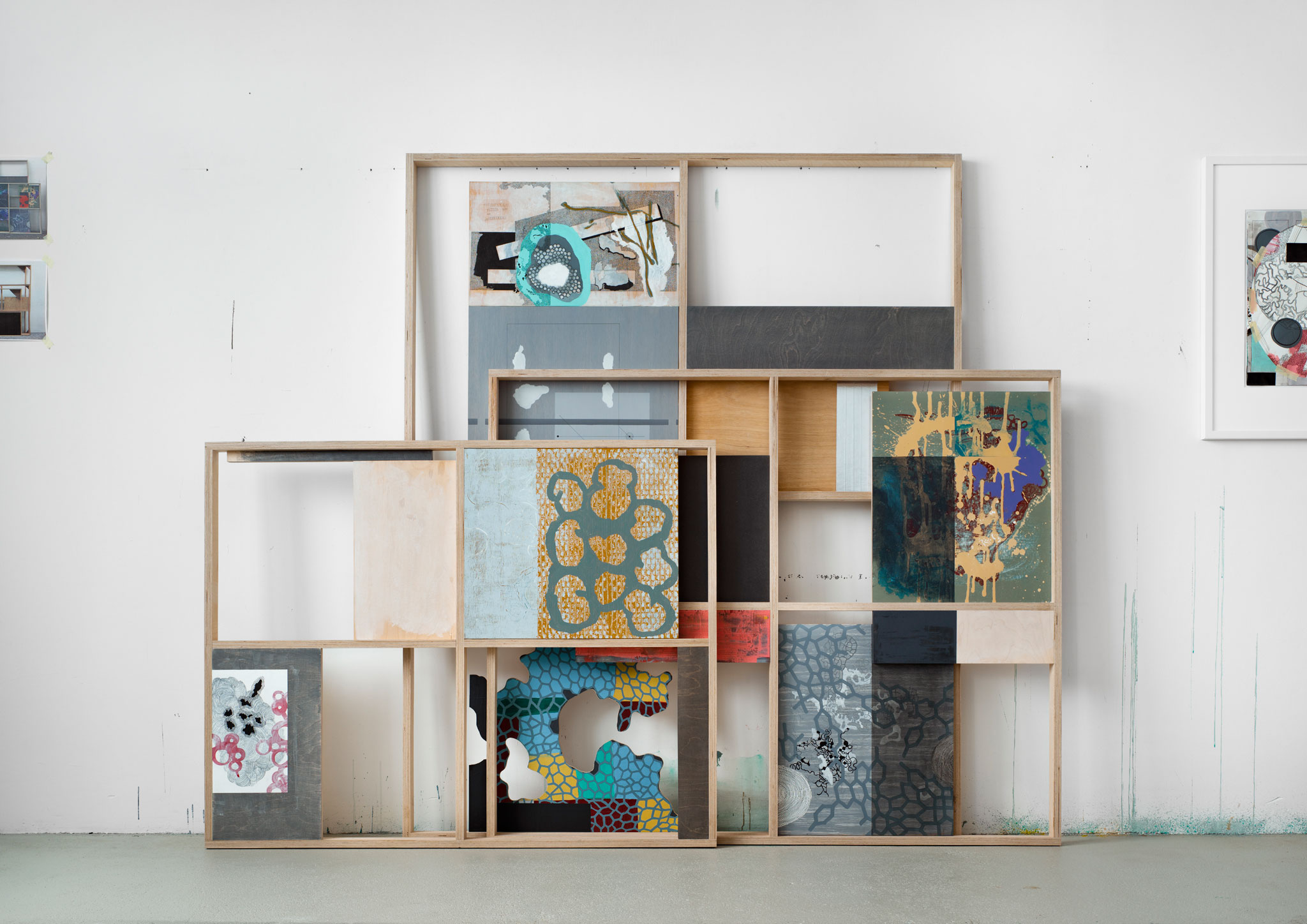 Michael Lukas, OccupiedCorner, Diverse Materialien, 189 x 217 x 24,5 cm, 2018 (Foto: Magdalena Menzinger)